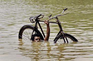 Как защититься от дождя на велосипеде?