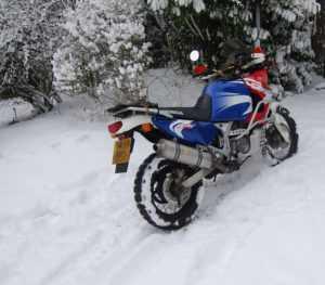 На мотоцикле зимой
