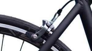 скрипят тормоза велосипеда