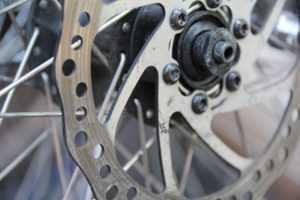 Передние тормоза велосипеда